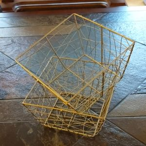 Baskets 2 Gold Wire